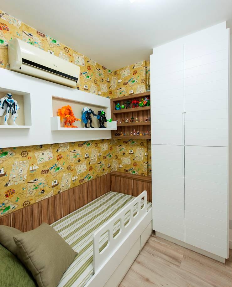 Apartamento Centro – Florianópolis: Quarto de crianças  por Cristine V. Angelo Boing e Fernanda Carlin da Silva,