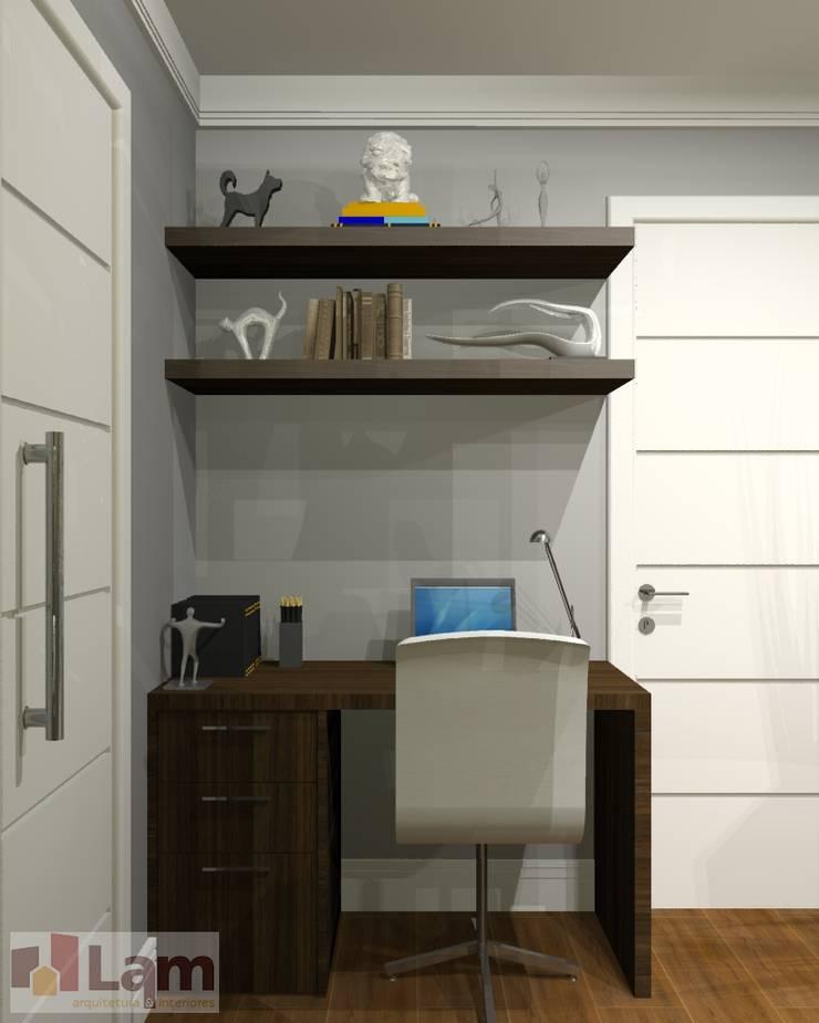 Home Office - Projeto:   por LAM Arquitetura | Interiores