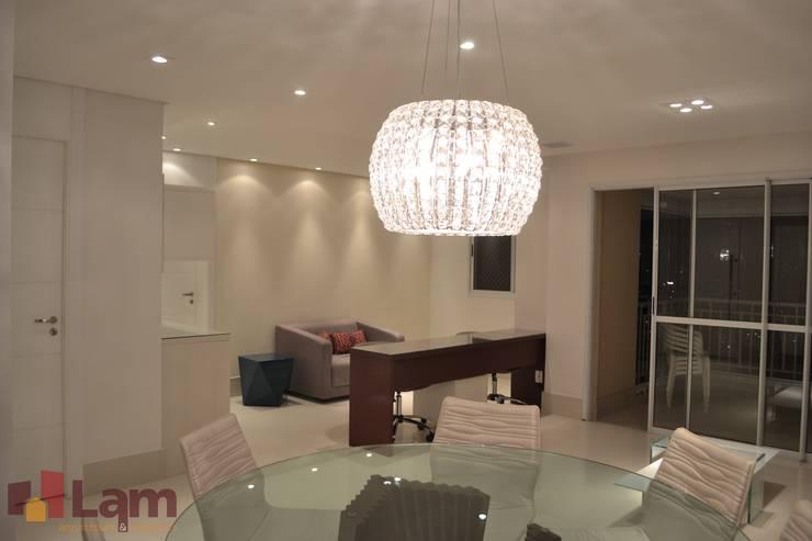 Sala de Jantar : Salas de jantar  por LAM Arquitetura | Interiores,Moderno