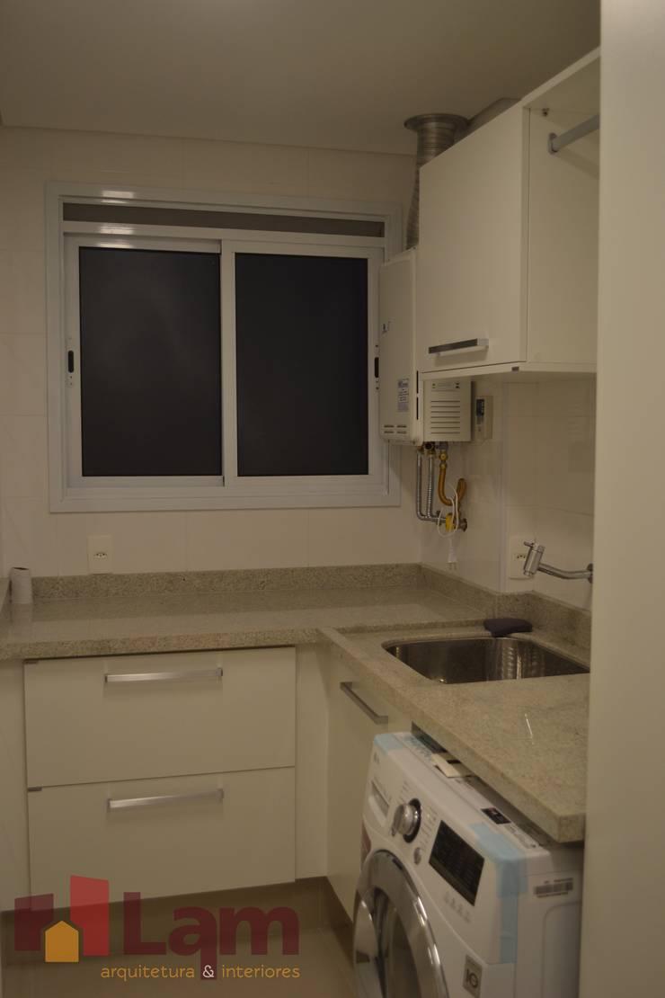 Área de Serviço: Cozinhas  por LAM Arquitetura | Interiores,
