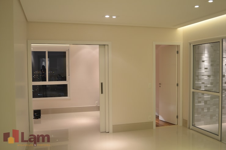 Sala de Estar: Salas de estar  por LAM Arquitetura | Interiores,