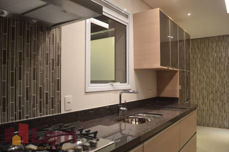 Cozinha - Final: Cozinhas  por LAM Arquitetura | Interiores