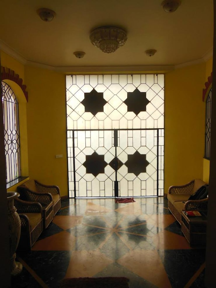 Yusuf Karim House Pics in Althino:  Terrace by Rita Mody Joshi & Associates