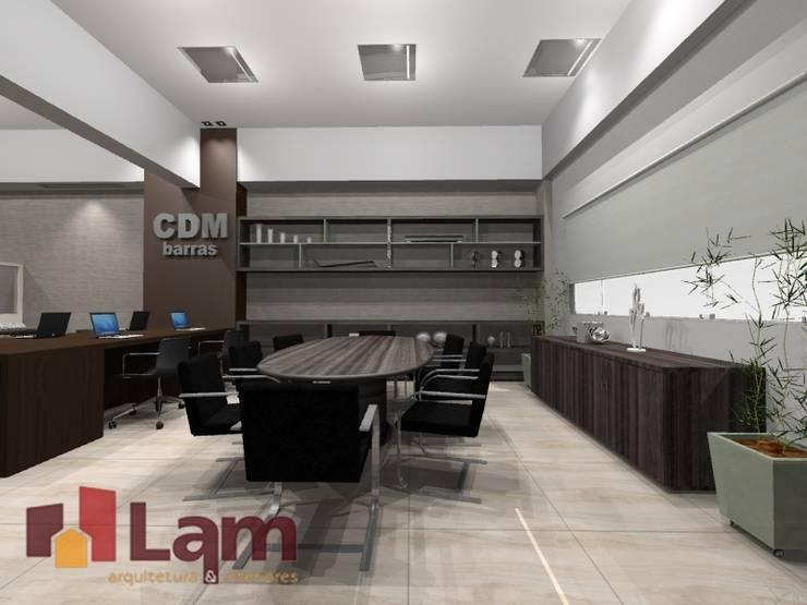 Sala de Reunião - Projeto:   por LAM Arquitetura   Interiores