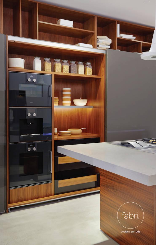 Luxo racional: Cozinhas  por FABRI
