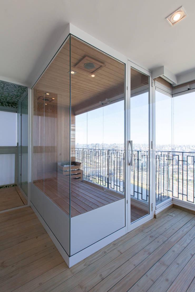 Apartamento Cidade Jardim: Spas  por Officina44