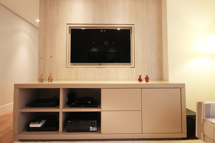 Apartamento Moema 2: Salas de estar modernas por Officina44