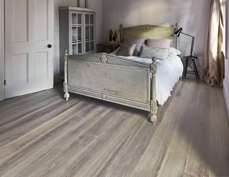 Parede e piso  por The Natural Wood Floor Company