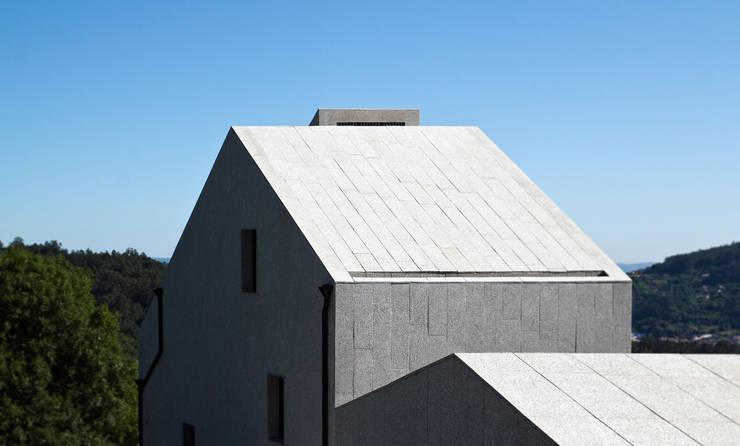 Casa Cuarto y Mitad: Casas de estilo  de soma [arquitectura imasd]