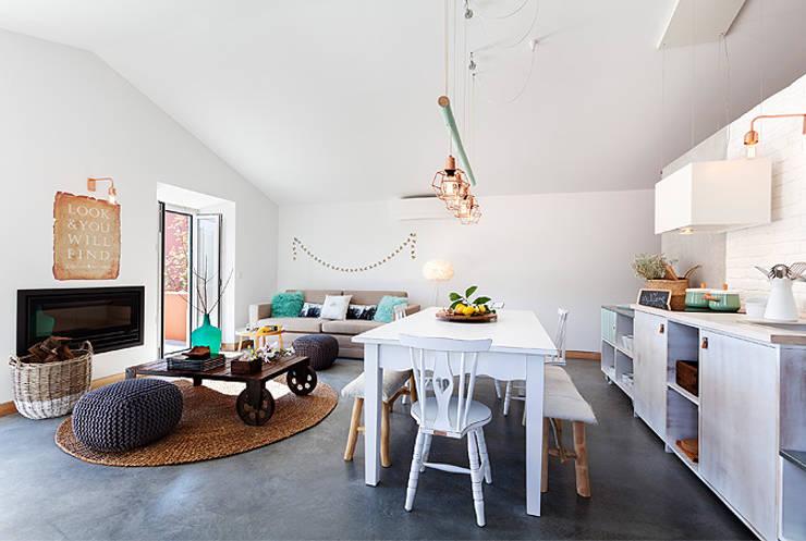 Luz Charming Houses _ Boutique Hotel: Cozinhas  por SegmentoPonto4