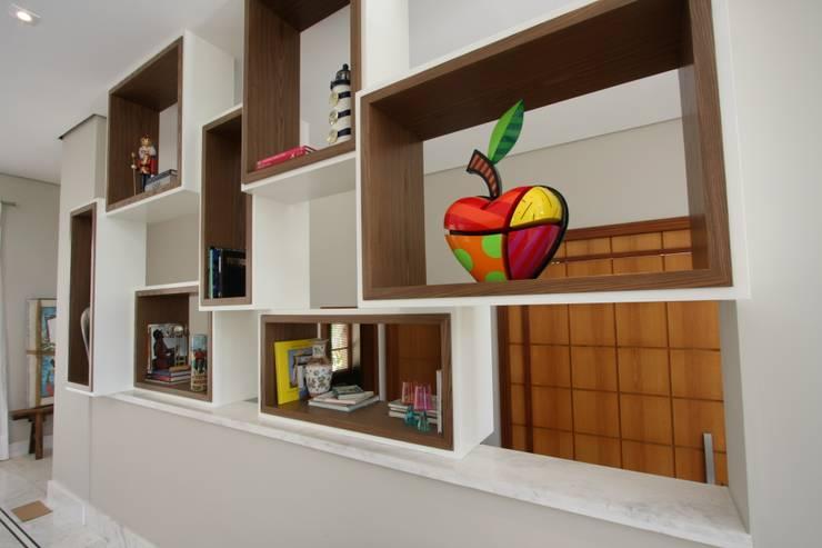 Interiores Residência Melville:   por Officina44,Moderno