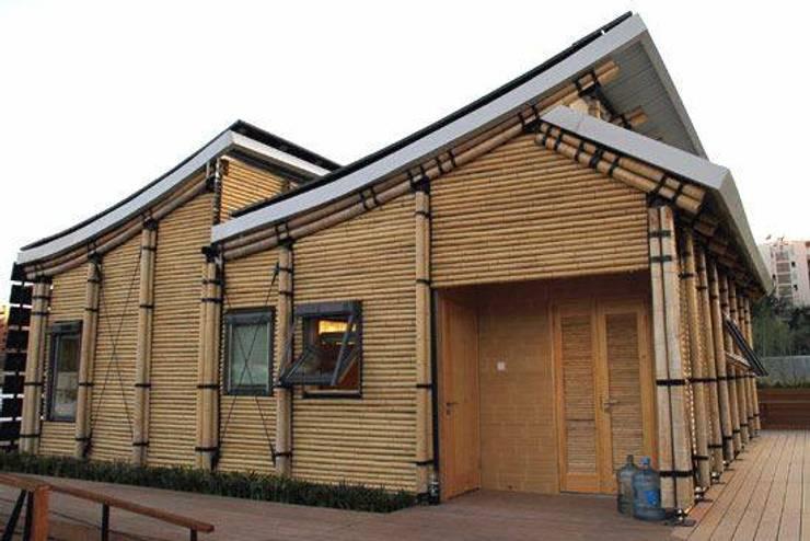 Tubotecnia: Casas de estilo  por Tubotecnia sas
