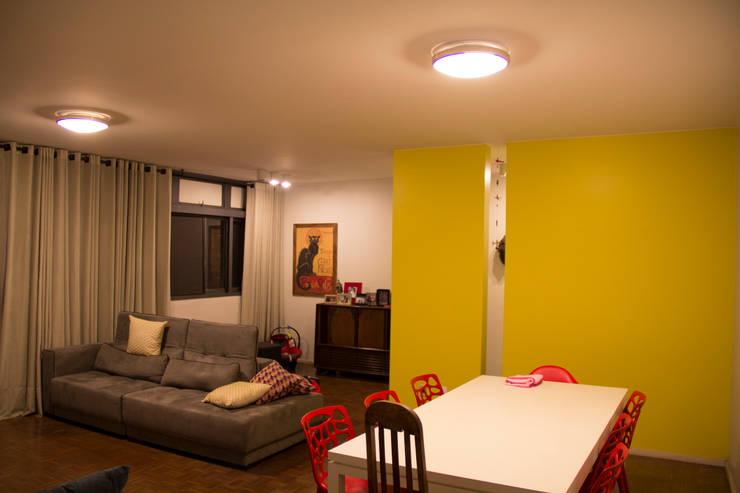 ambientação de sala de estar: Salas de jantar  por ARM ARQUITETURA E URBANISMO