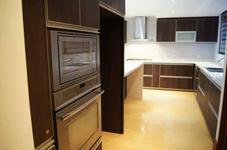 Projekty,  Kuchnia zaprojektowane przez MARECO DESIGN S.A.S