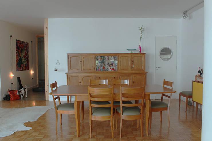 Sala de jantar da vovó - ap bossa: Salas de jantar  por omnibus arquitetura
