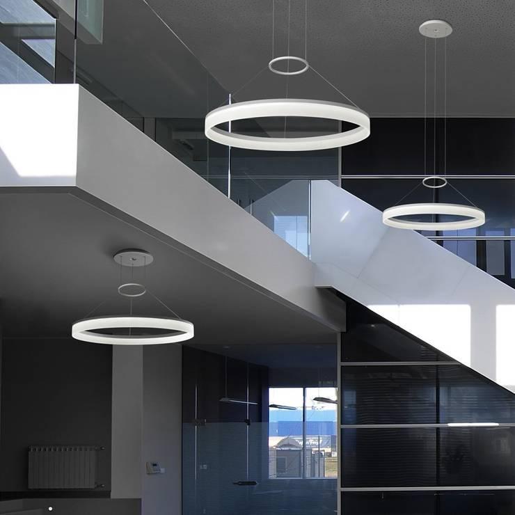 Lámpara Colgante Español: Livings de estilo  por Griscan diseño iluminación