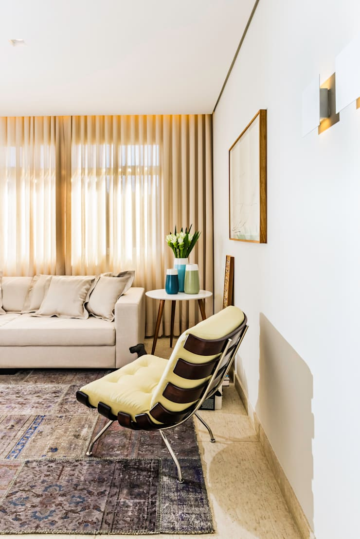 APARTAMENTO VILA PARIS: Salas de estar  por Ophicina de Arquitetos,Moderno