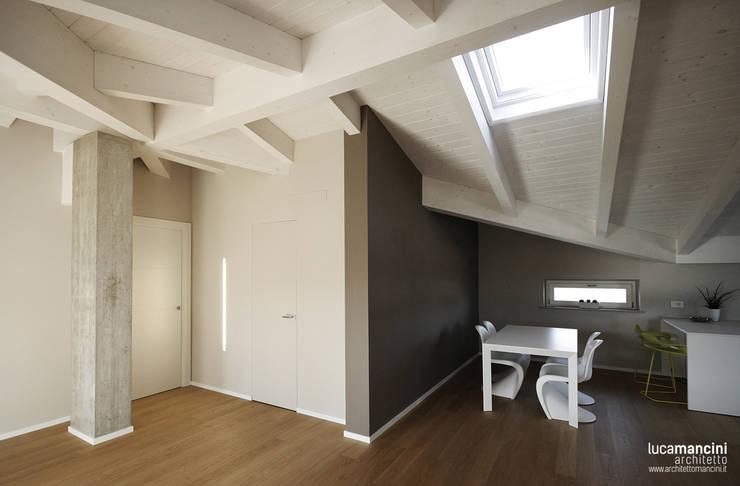 Salon de style  par Luca Mancini | Architetto