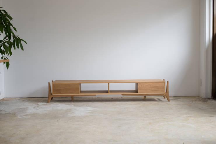 Luu board: グリニッチが手掛けたリビングルームです。,