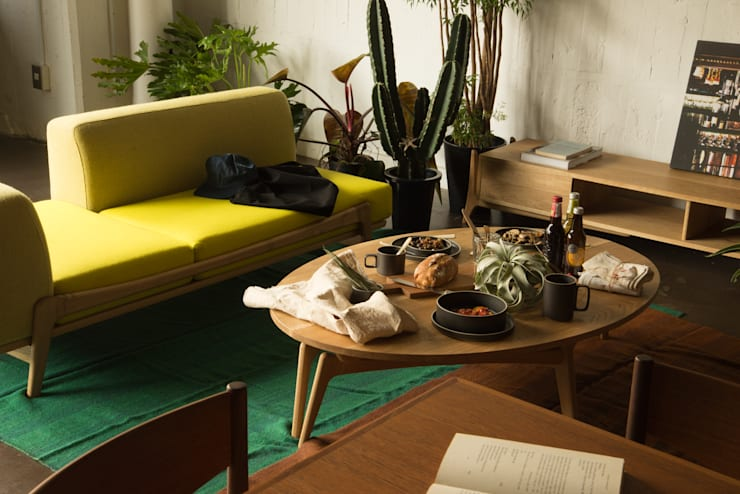 greenicheの新しい思い 新商品 Luu: グリニッチが手掛けたリビングルームです。,