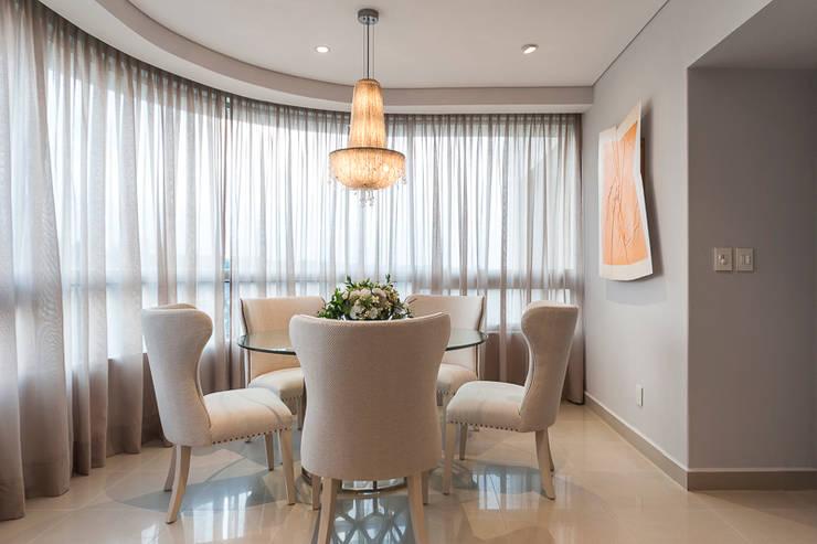 DEPARTAMENTO EN LOMAS: Comedores de estilo  por HO arquitectura de interiores