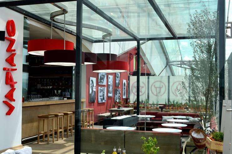 VAPIANO PARQUE TOREO: Espacios comerciales de estilo  por Sulkin Askenazi