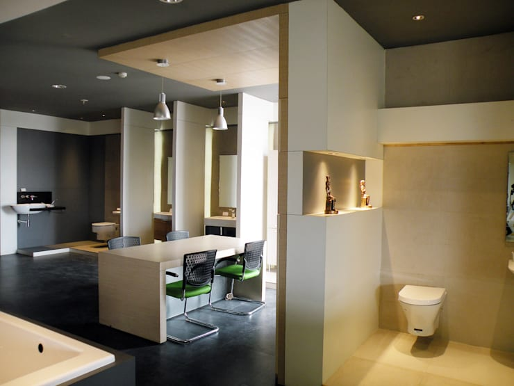 Beautywares showroom:  Houses by ICON design studio