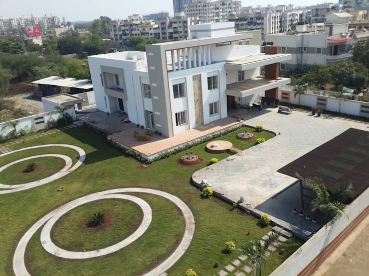 Villa At Pune:  Garden by ACA Architects