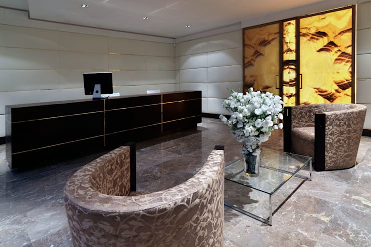 Le Provencal: Hotel in stile  di Spagnulo & Partners