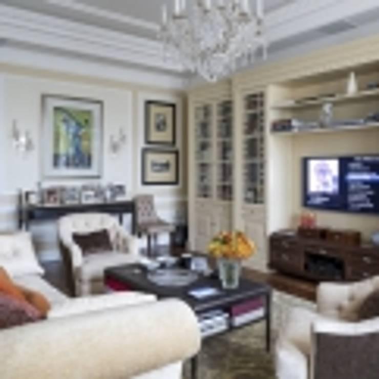 Классический интерьер и Умный дом – квартира-мечта!: Гостиная в . Автор – Art-In