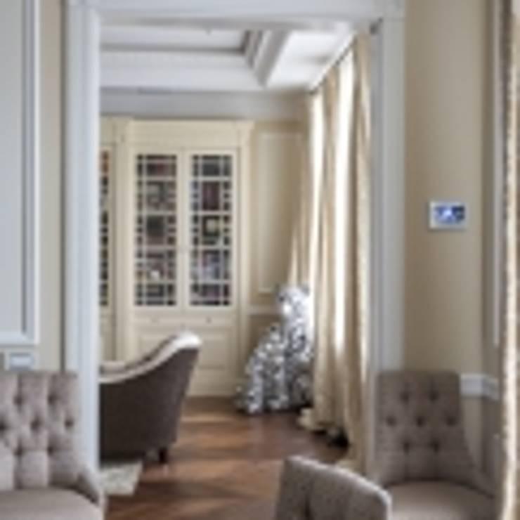 Классический интерьер и Умный дом – квартира-мечта!: Коридор и прихожая в . Автор – Art-In