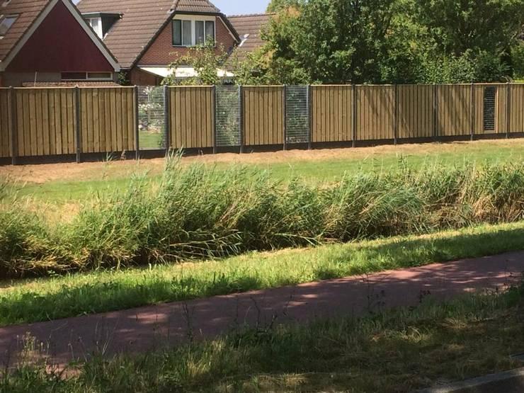 Betongaas schuttingen:  Tuin door Kuiper Schuttingen, Landelijk
