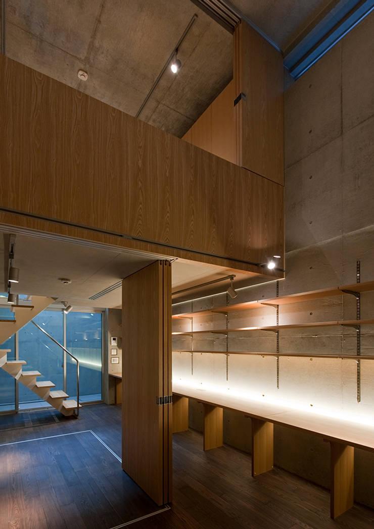 MKR: 一級建築士事務所アトリエソルト株式会社が手掛けたリビングです。