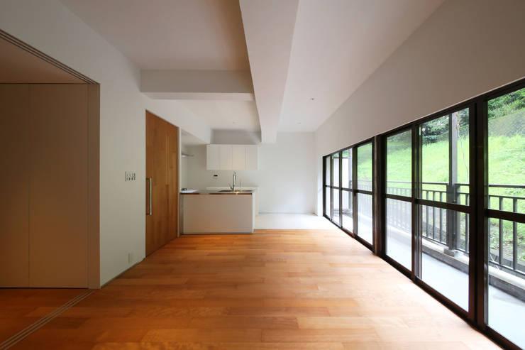 ROR: 一級建築士事務所アトリエソルト株式会社が手掛けたダイニングです。,