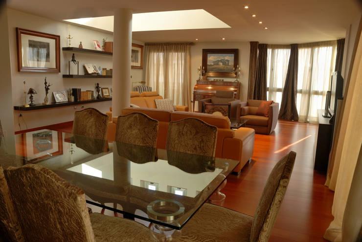 Ático - duplex en Murcia: Comedores de estilo ecléctico de Rosa Sánchez Arquitectura de interior