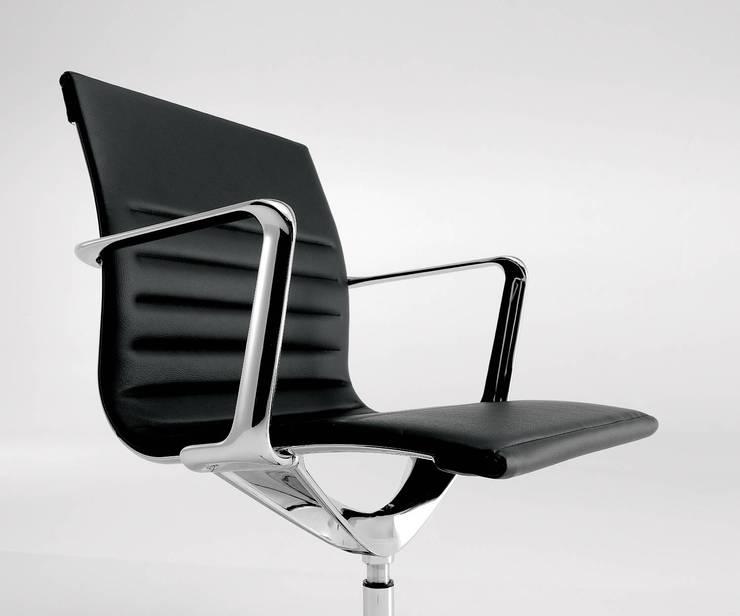 ICF Una Chair Management - Chrom Aluminium Armlehnen:  Arbeitszimmer von Livarea