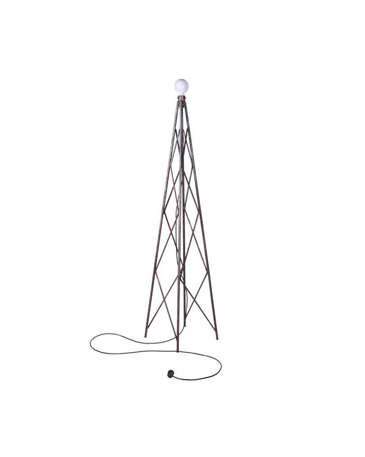 Metalowa Lampa : styl , w kategorii Salon zaprojektowany przez Rekoforma