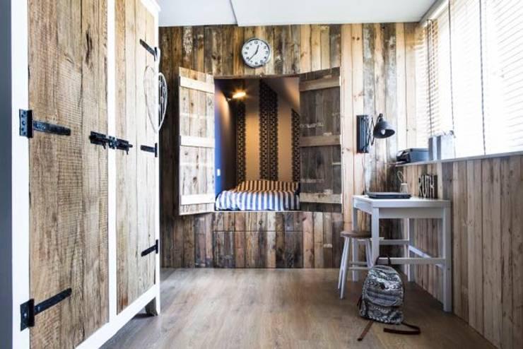 Interieurontwerp Villa:  Kinderkamer door Smeele | ontwerpt & realiseert