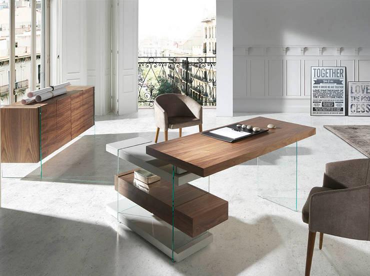 Secretárias modernas  Modern desks www.intense-mobiliario.com  Vetro http://intense-mobiliario.com/product.php?id_product=8936: Escritório  por Intense mobiliário e interiores;