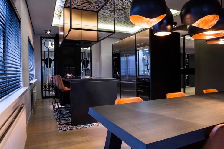 Mediterrane keuken:  Keuken door Smeele | ontwerpt & realiseert