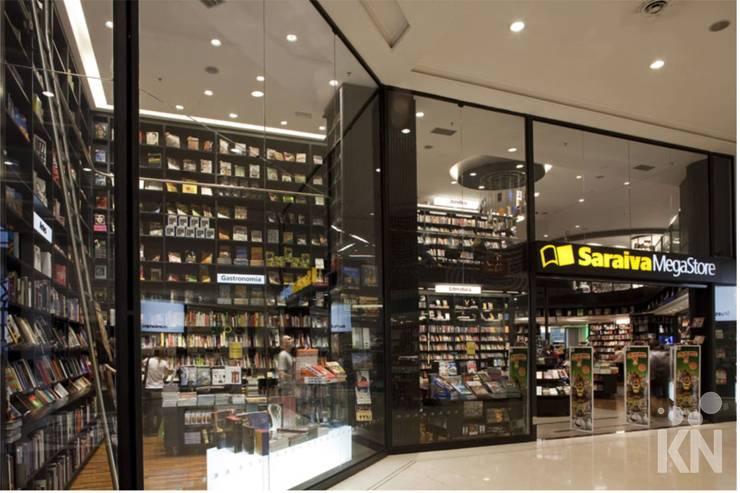 Saraiva - Shopping Higienópolis | SP Lojas & Imóveis comerciais modernos por KN Associados Moderno