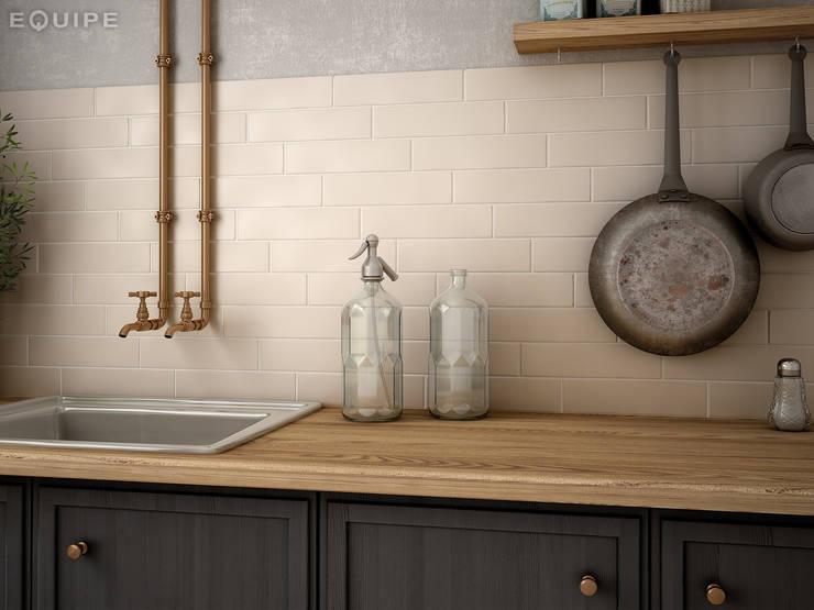 Cocinas de estilo rústico por Equipe Ceramicas