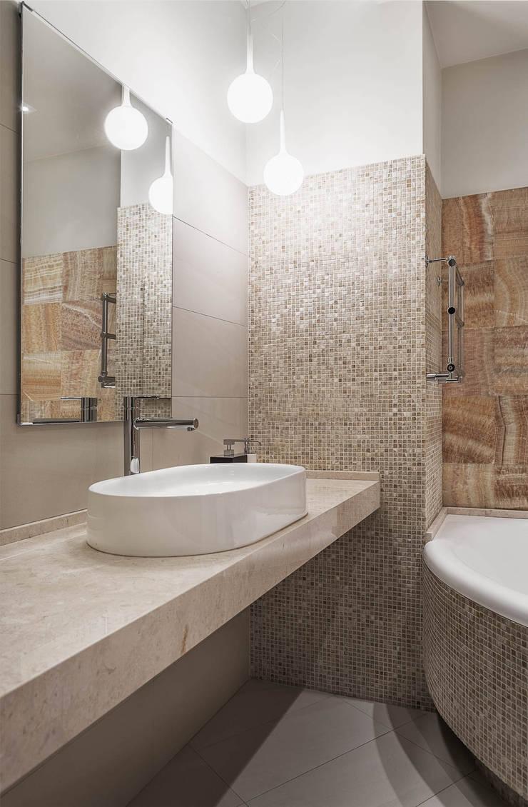 Апартаменты в Куркино: Ванные комнаты в . Автор – K-Studio