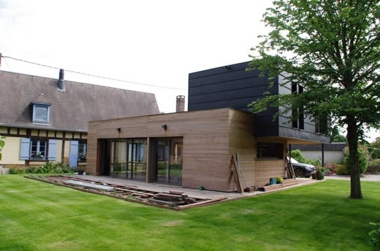 facade ouest: Maisons de style de style Moderne par Atelier d'Architecture Marc Lafagne,  architecte dplg