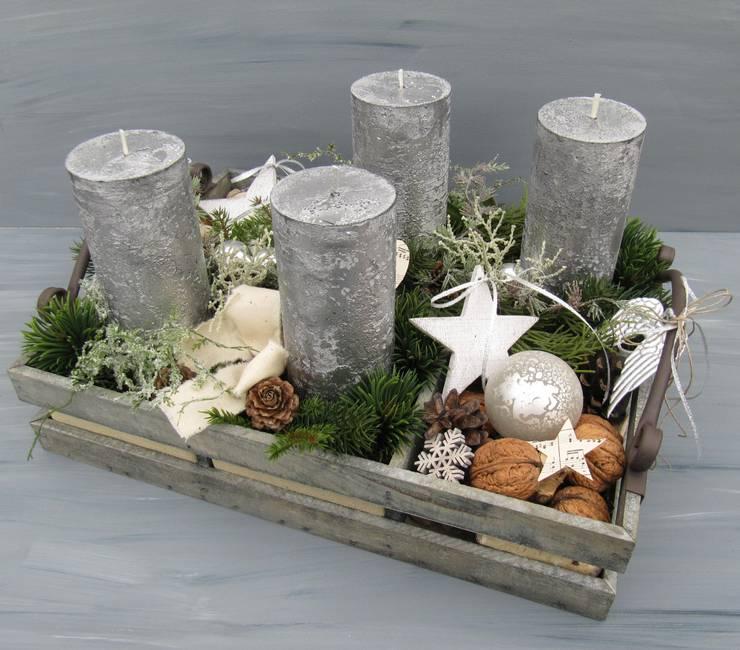 Dekoration f r advent und weihnachten von deko idee eolion homify - Deko treppenhaus ...