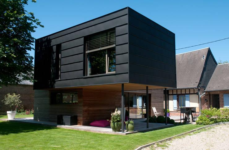 Casas  por Atelier d'Architecture Marc Lafagne,  architecte dplg