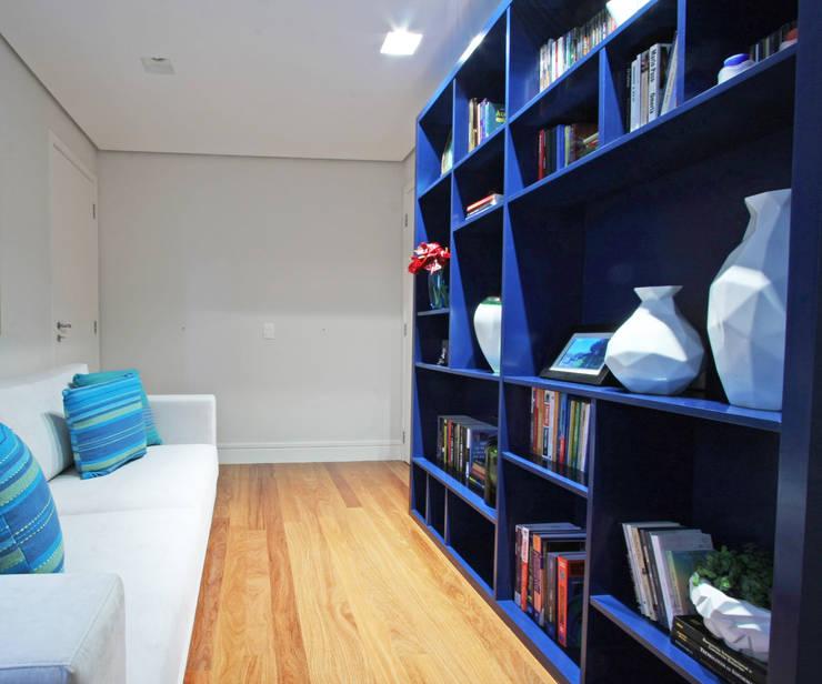Apartamento Granja Julieta: Salas de estar  por Officina44