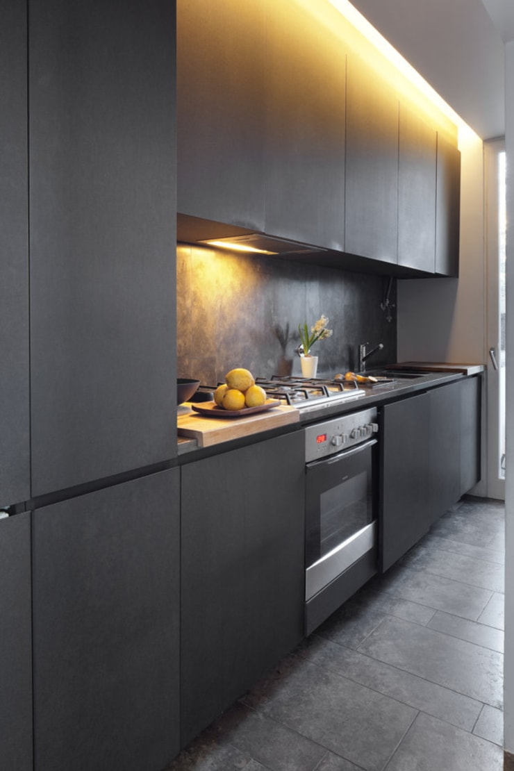 Casa Sofia Passarinho: Cozinha  por Valchromat