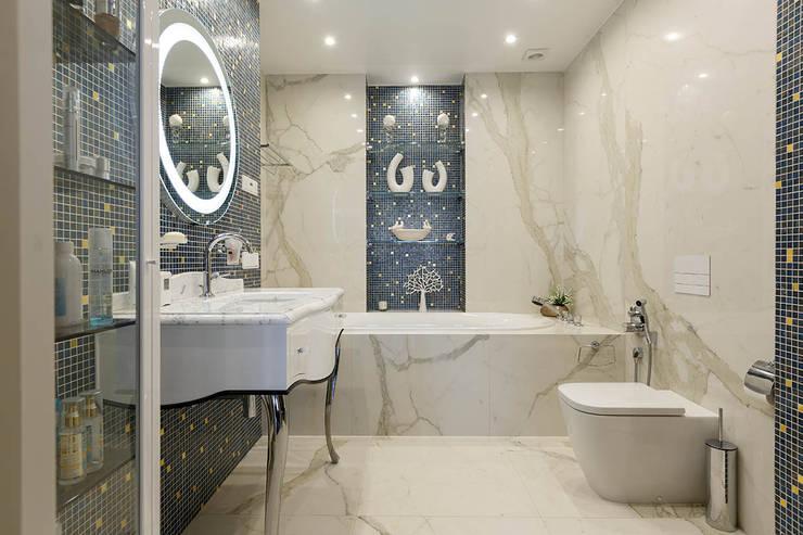 Квартира на Кемской улице в Санкт-Петербурге: Ванные комнаты в . Автор – Студия дизайна интерьера 'Юдин и Новиков',