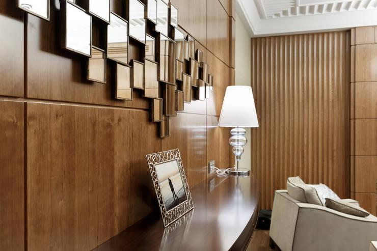 Квартира Ленсовета: Гостиная в . Автор – Студия дизайна интерьера 'Юдин и Новиков'